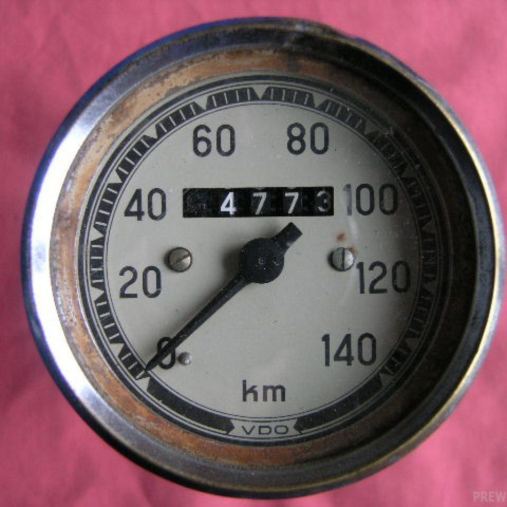 VDO Tachometer von 0-140Km/h