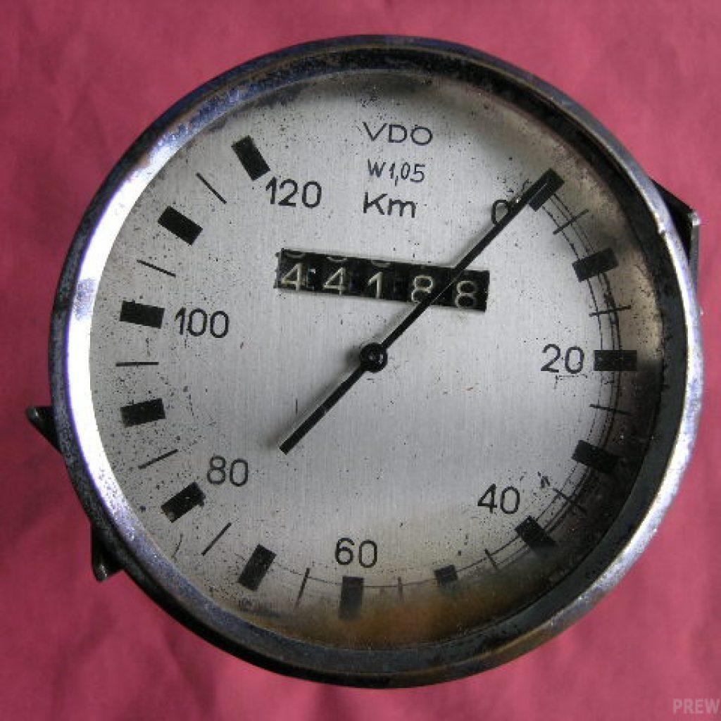 VDO Tachometer von 0-120 km/h