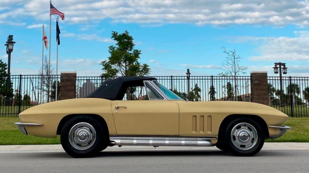 Chevrolet Corvette C2 Sting Ray Convertible * Restauriert * Goldwood Yellow *