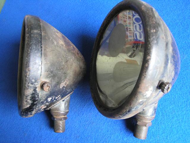 Paar Fiat-Scheinwerfer