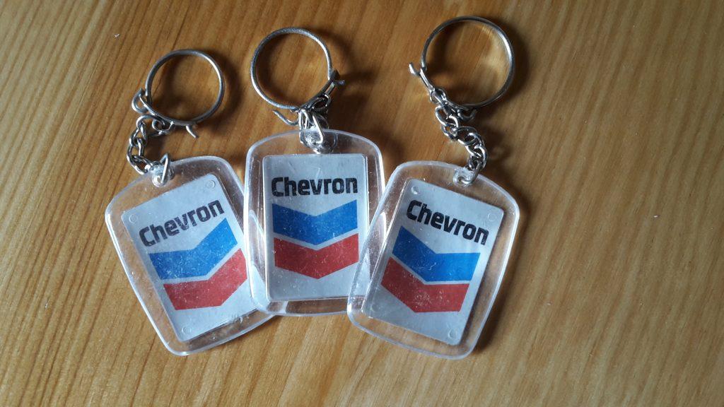 Original Schüsselanhänger aus den 60er/ 70er Jahren von Chevron