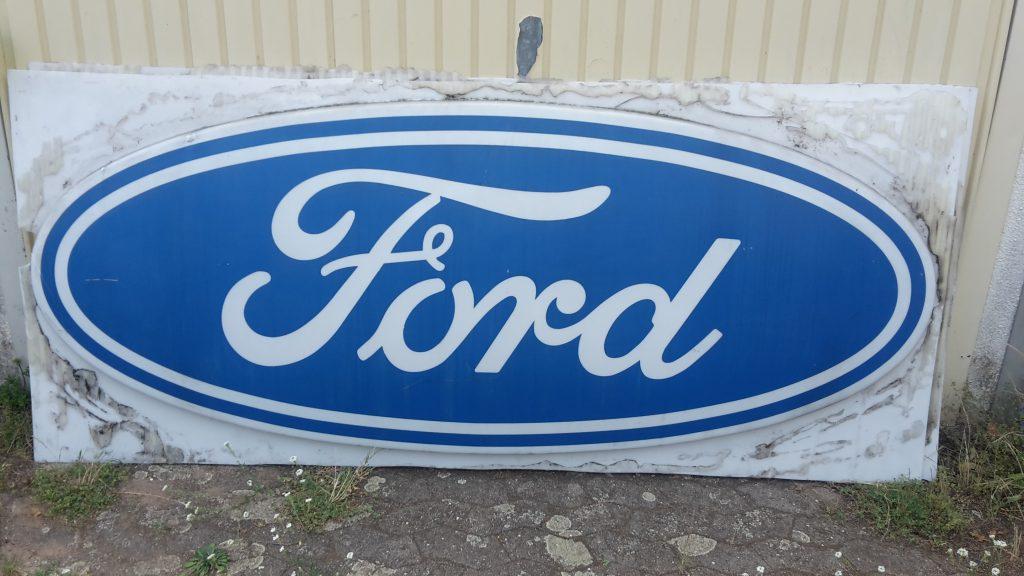 Ford Leuchtreklame ca.30-40 Jahre alt - ohne Leuchtelemente !!