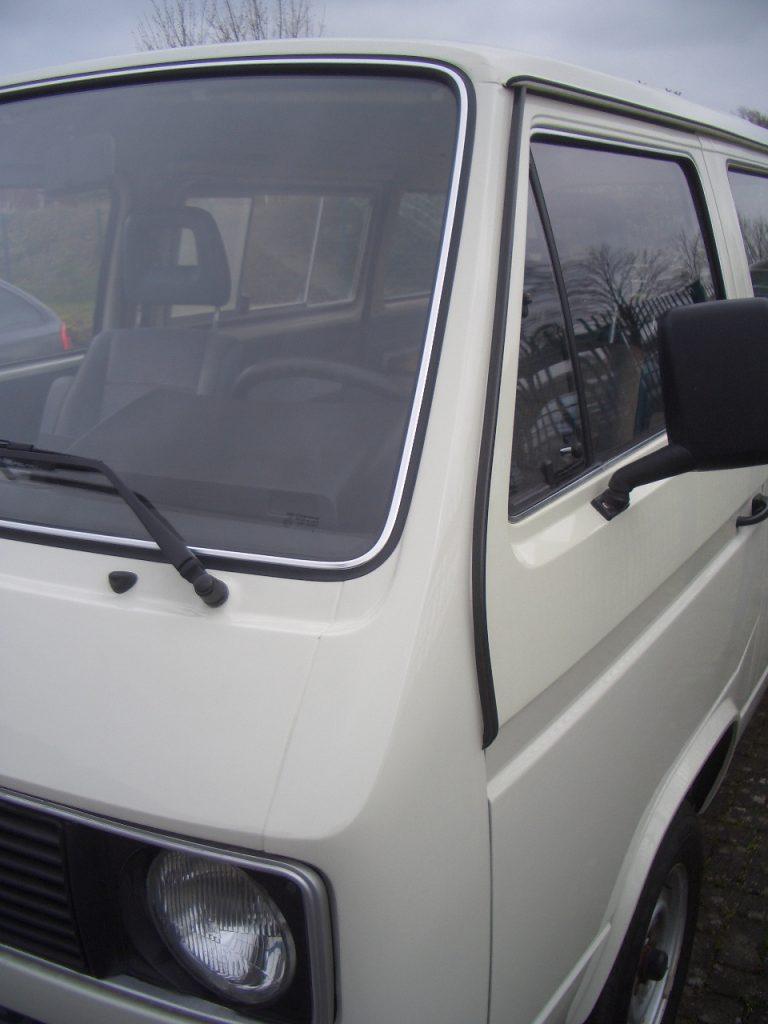 VW Bus T 3 Zierleiste Keder schwarz für A-Säule links original VW