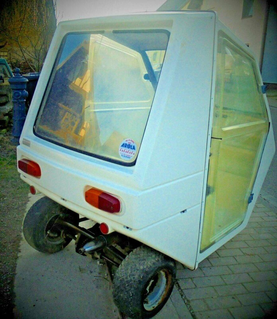 Kleinwagen Arola Dreirad