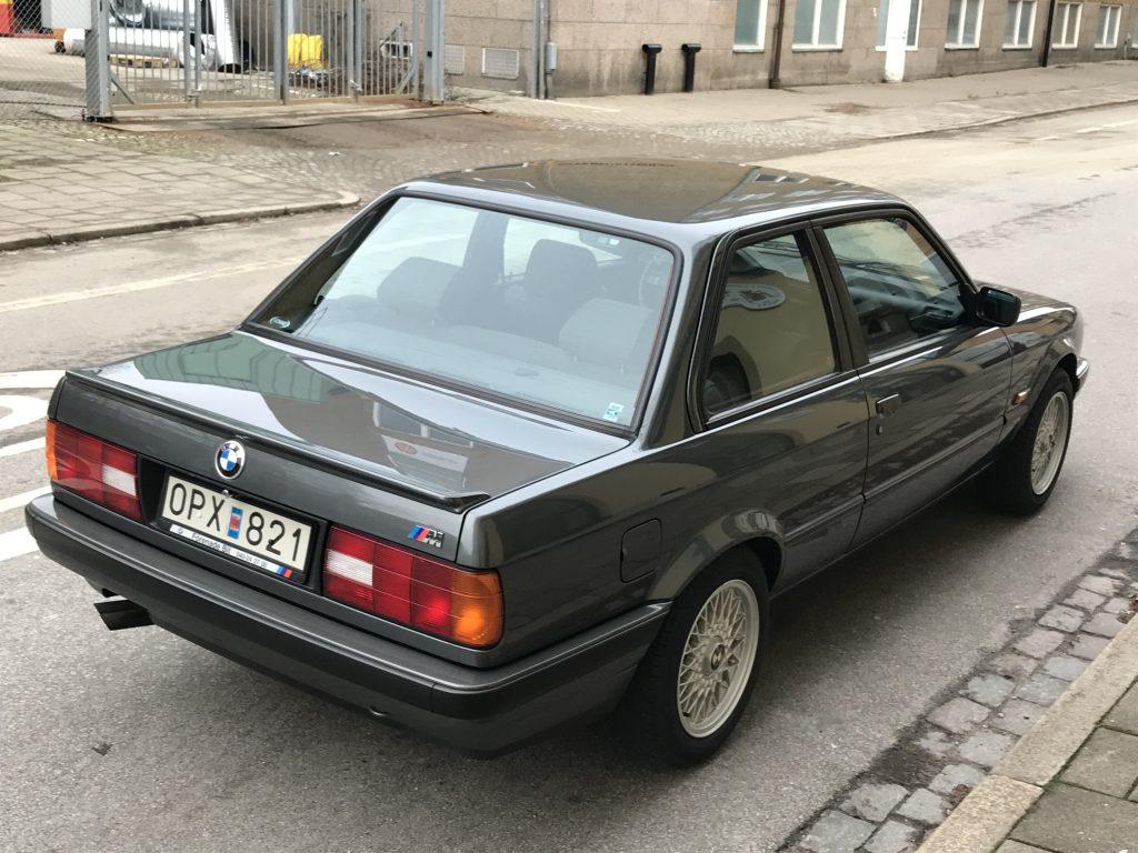 BMW E30 320ia 11/89 37850km