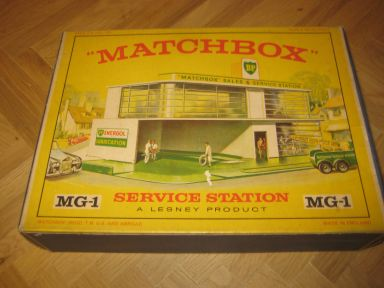 MATCHBOX Garage by Lesley , Service Station MG-1, from 1960 ?