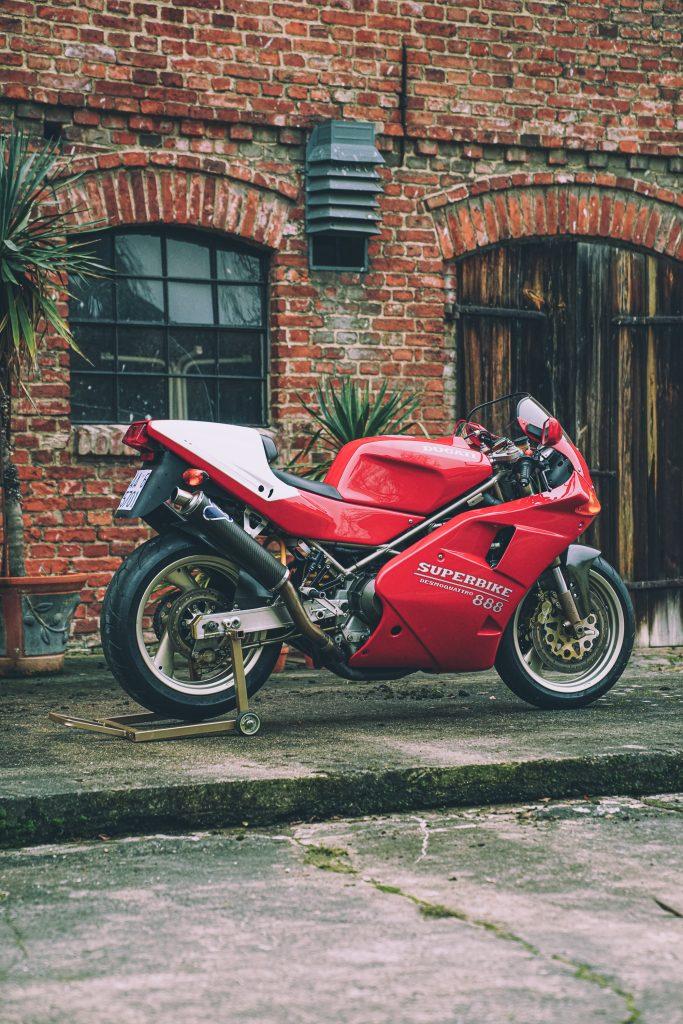 Ducati 888 SP5 ++ Nummer 86/500 ++ Desmoquattro-Superbike