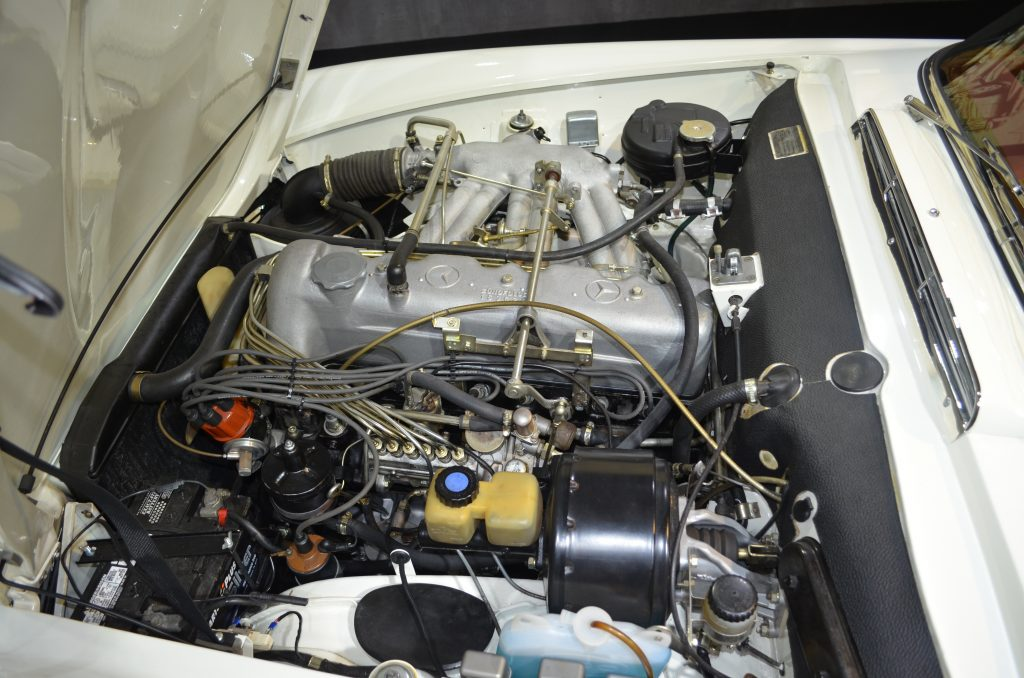 Mercedes-Benz 230 SL Pagode, Frame-off, 5 Gang ZF Getriebe