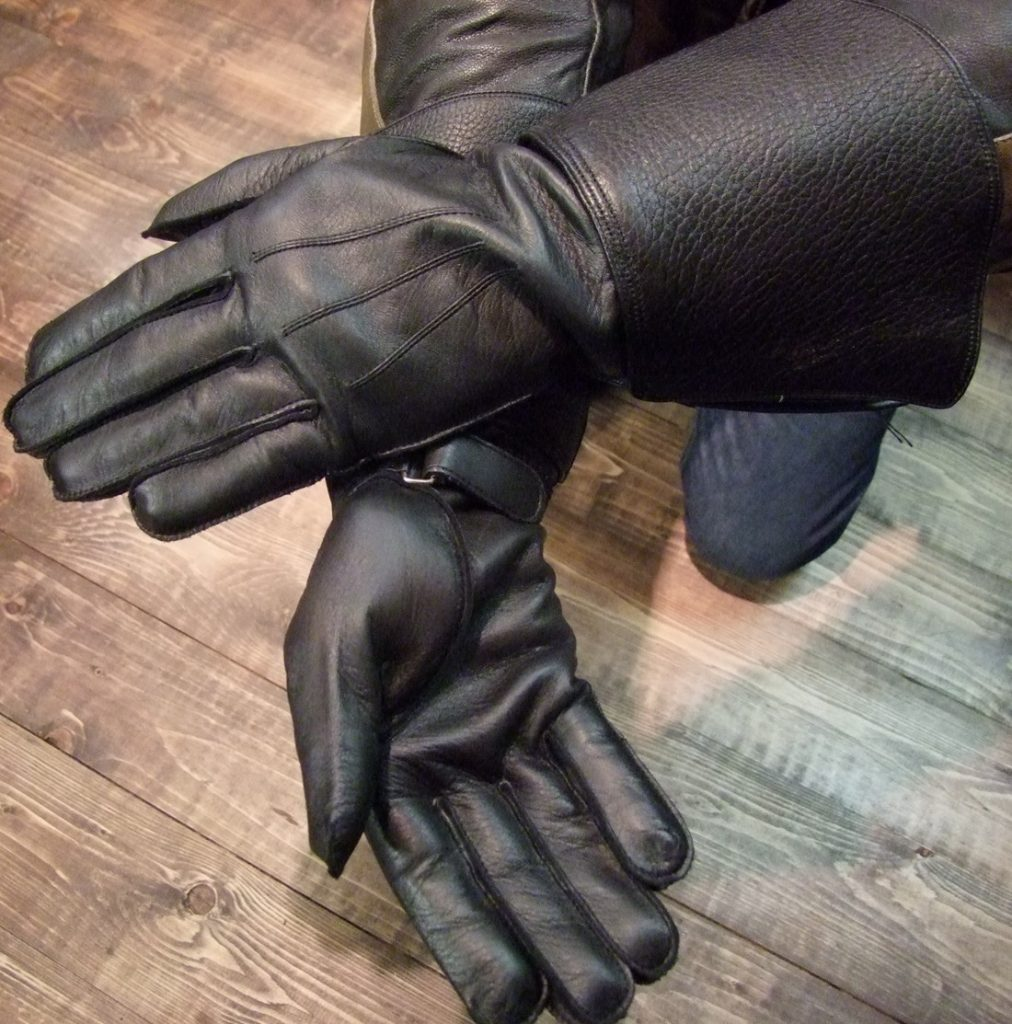 Edle Stulpenhandschuhe aus feinem finnischen Elchleder