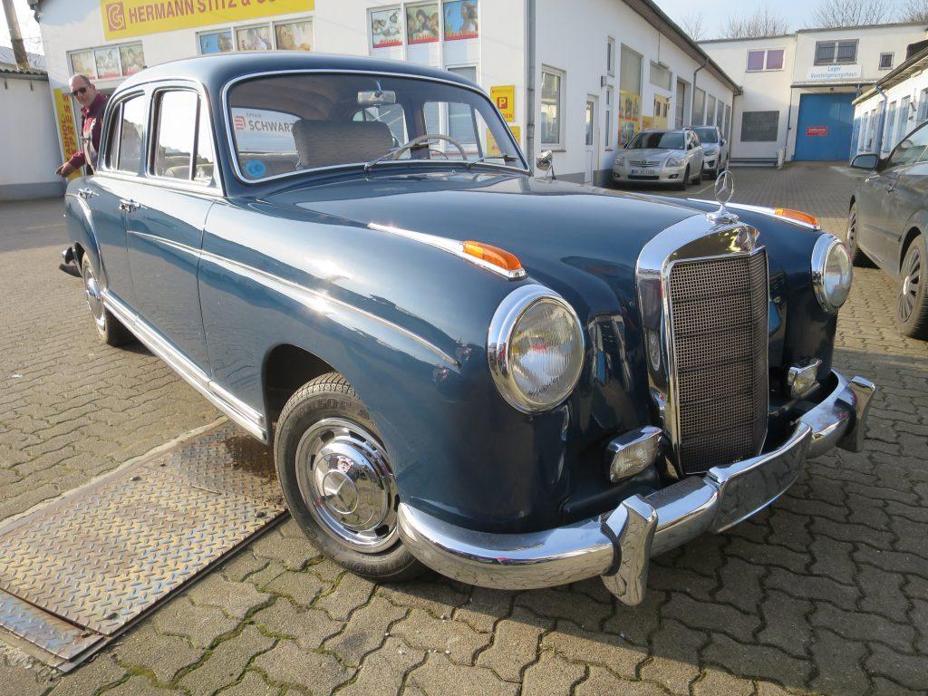 Mercedes Benz Ponton 220 S - 6 Zylinder aus Süd-Frankreich - Limousine