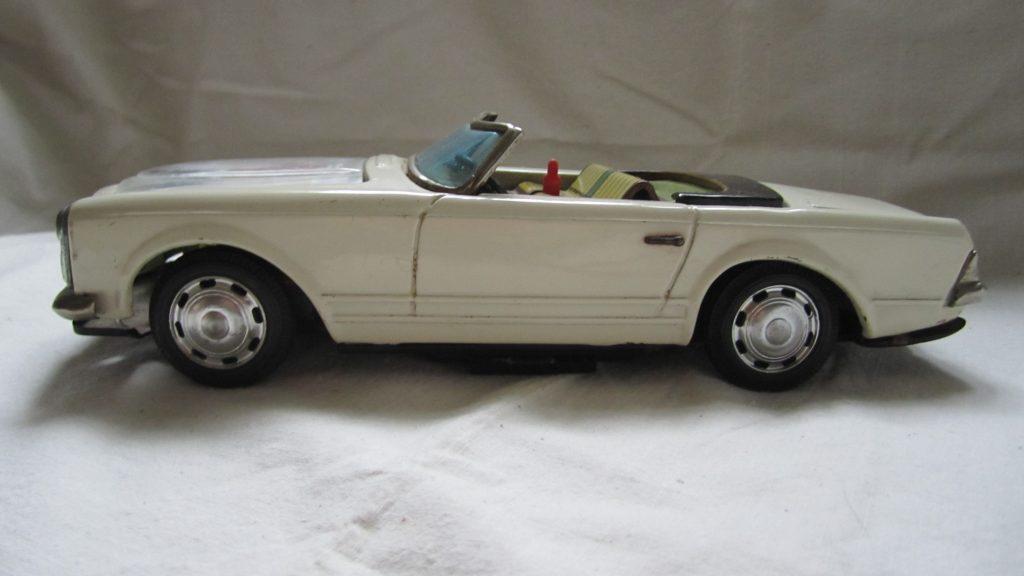 Mercedes Pagode Modellauto Blechauto 1966 Bandai Japan weiß