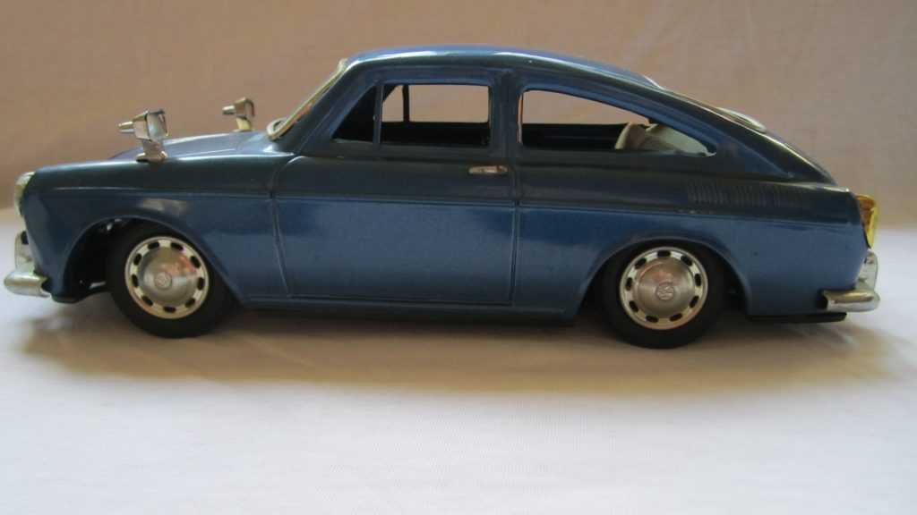 VW 1600TL blau Blechspielzeugauto 1965 SHimaZAKi Spielzeugauto Blechauto Blechspielzeug