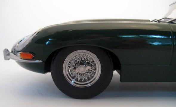 Norev - 1:12 - Jaguar E-Type 4.2 Coupe 1961 Green (With Discription) - Gelimiteerde editie 750 stuks - Mint boxed