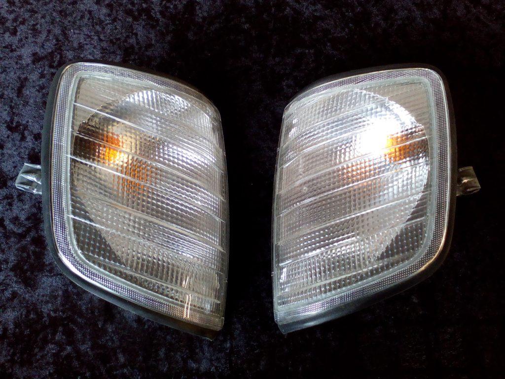 Mercedes W124 Set Blinkleuchten weiß ab 6/93 Hella NOS