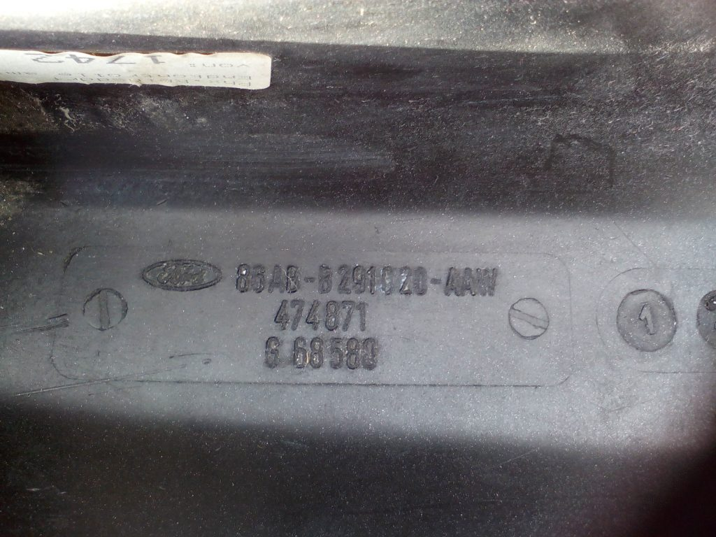 Ford Escort 4 RS Turbo, Cabrio Radlaufleiste Verbreiterung flieder NOS