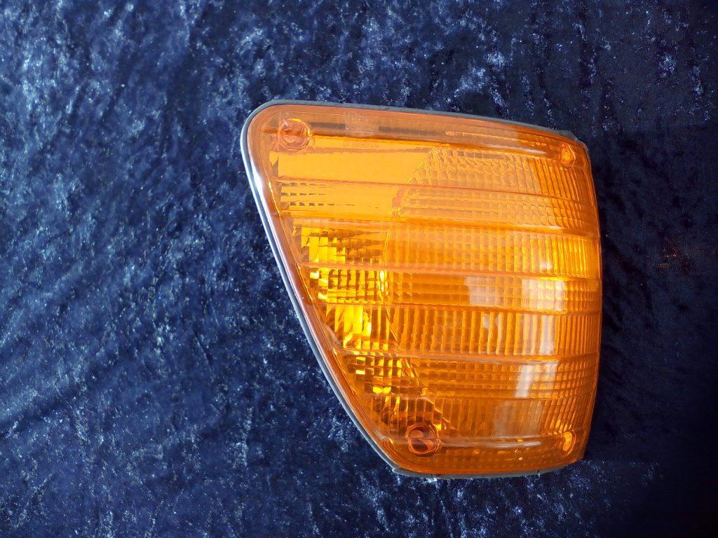 Mercedes W116 Blinkleuchte rechts gebraucht Bosch 1 305 233 002