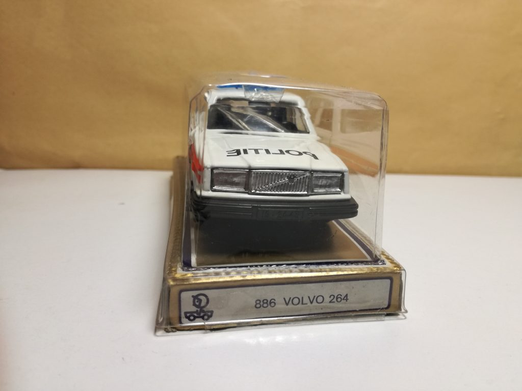 VOLVO ModelCars 264 from Norev France, different scales.