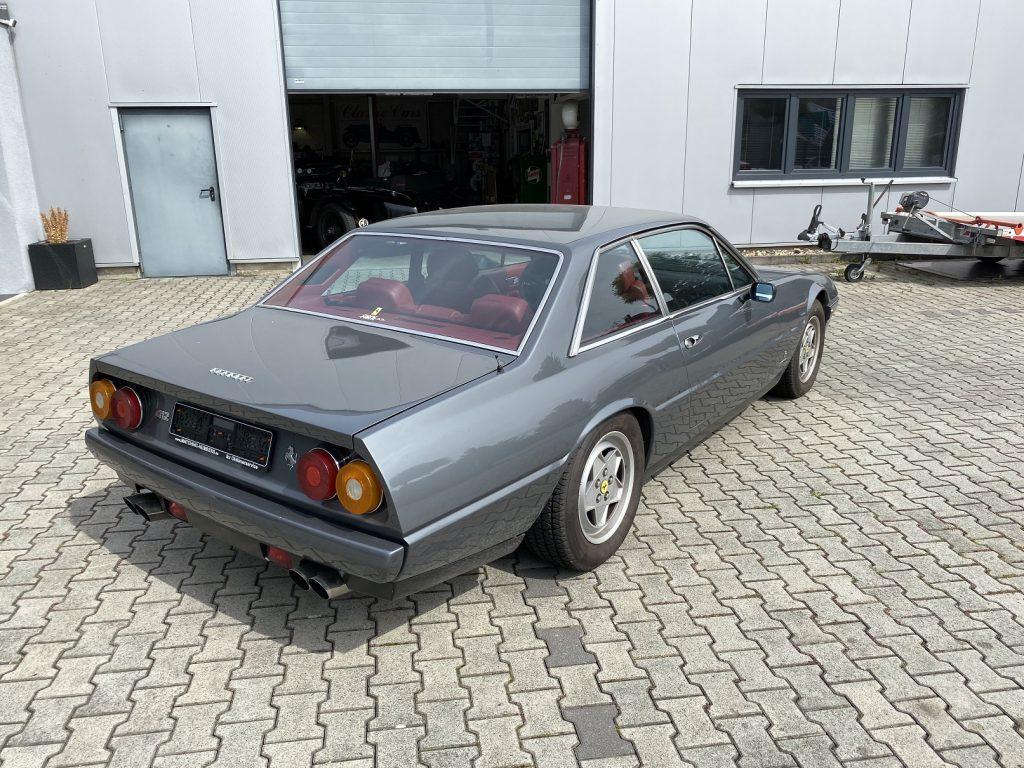 Ferrari 412 (2+2)