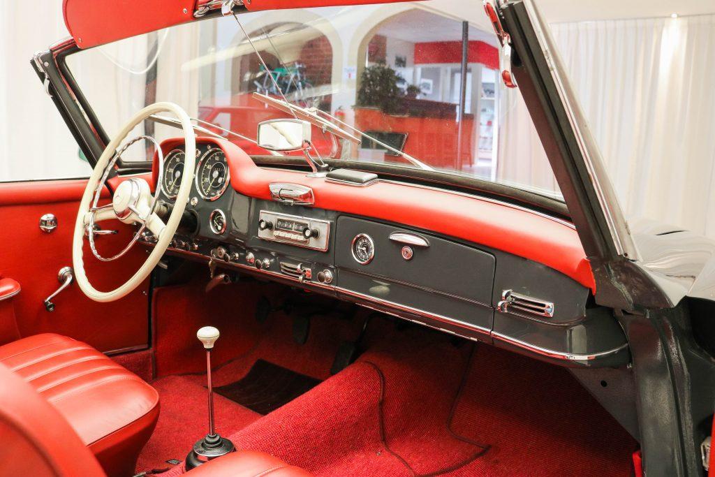 Mercedes-Benz 190 SL * Restored * Soft-top *