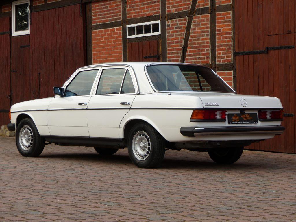 Mercedes 300D Bj. 1982, rostfreier Spanien Import aus 1. Hand