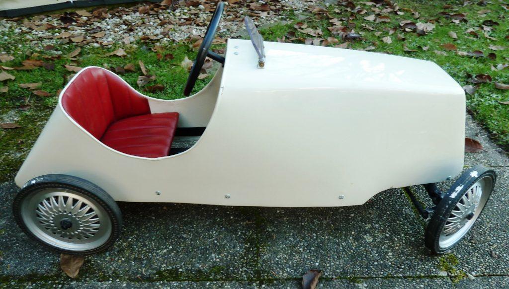 VORKRIEG-TRETAUTO-PEDAL CAR-TOYS-COLLECTIBLES-SAMMLERSTÜCK-KINDERSPIELZEUG