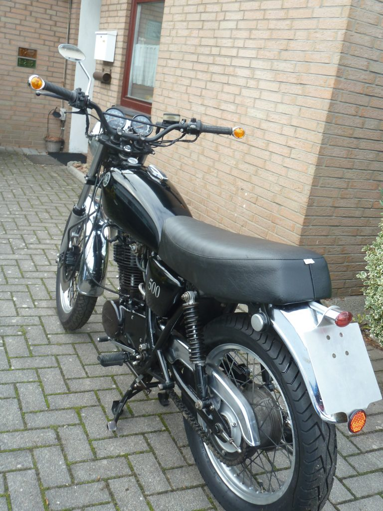 Yamaha SR 500 , BJ 81, schwarz