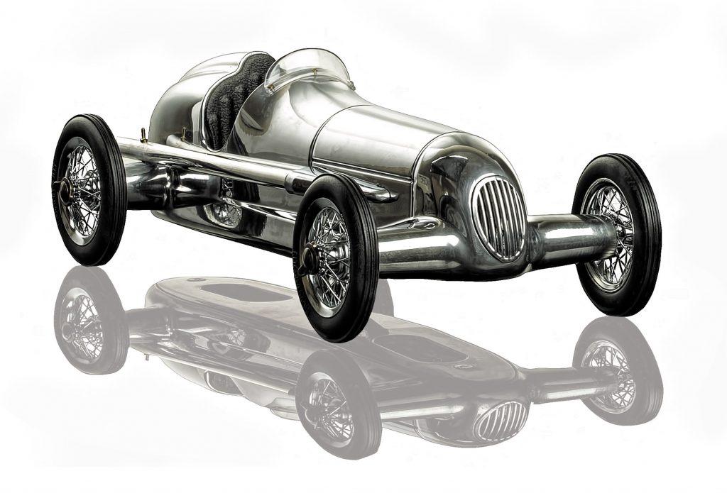 Modellauto Silberpfeil Mercedes W25 Aluminium schwarzer Sitz