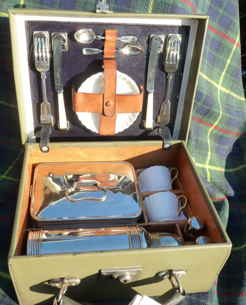 PICKNICK KOFFER-REISE-OUTDOOR-VINTAGE-OLDTIMER-CLASSIC CAR-MAC TAGGART