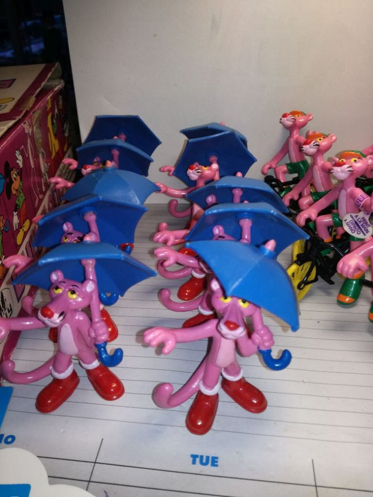 Bullyland Pink Panther Set with 10 Umbrella and 9 Bike Panthers inside