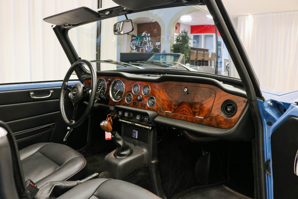Triumph TR 6 Convertible * Better than new * Body-off restored * Matching * Fully Original *
