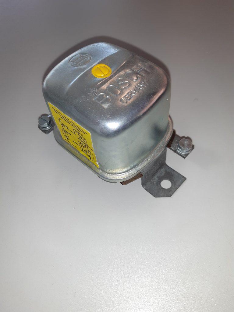 Bosch Lichtmaschinenregler 14V 25A z.B. Alfa, Ford, Opel Porsche.....