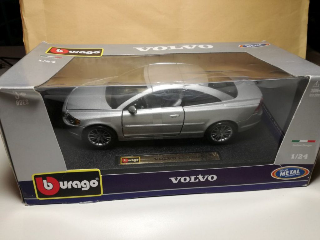 VOLVO ModelCars from Bburago. C70 Cabrio in 1:24, diverent colors and executions