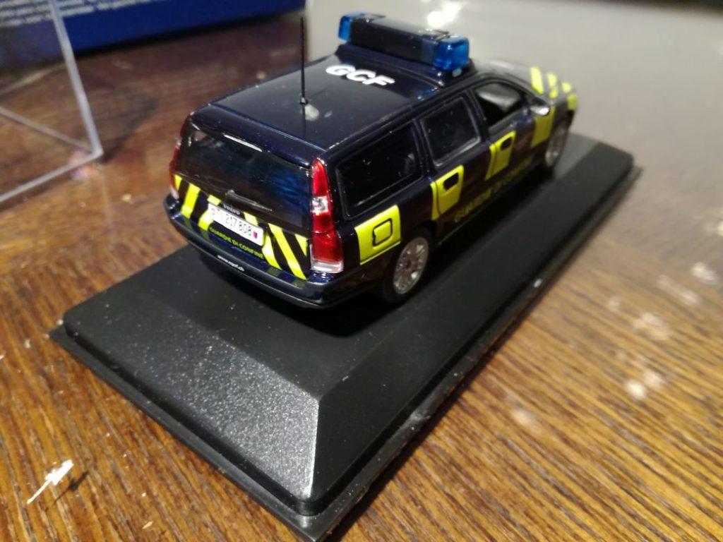 VOLVO ModelCars from Minichamps, V70 II,  Switserland border Policecars