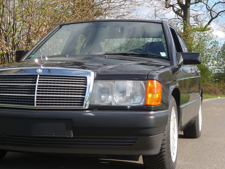 Mercedes-Benz 190E 1.8L 5-Gang, Schiebedach, top gepflegt