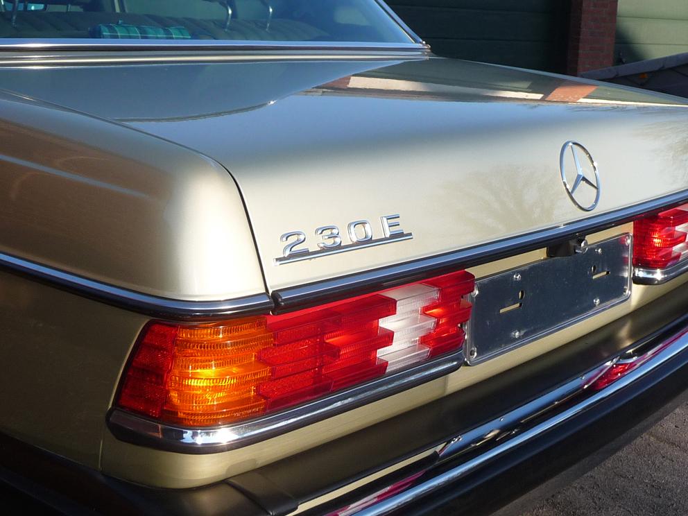 Mercedes-Benz 230E W123 mit SD und Leder, Liebhaberfahrzeug