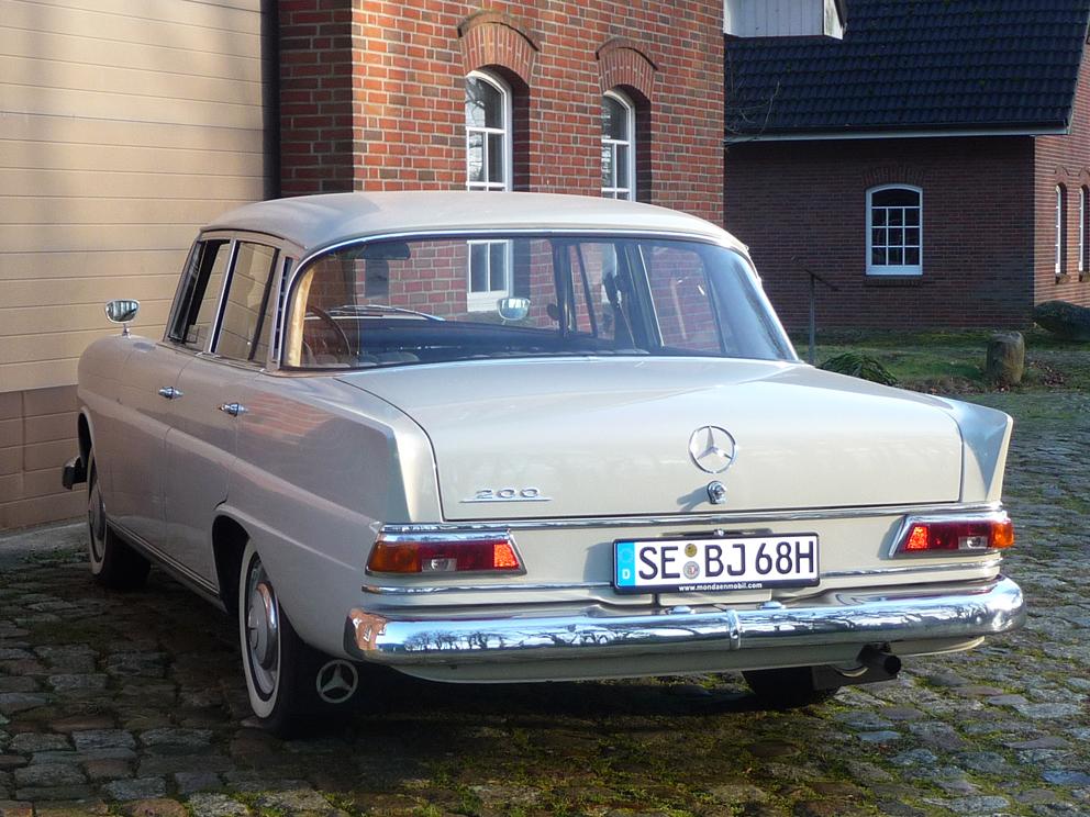 Mercedes-Benz 200 W110 Heckflosse, Liebhaberfahrzeug