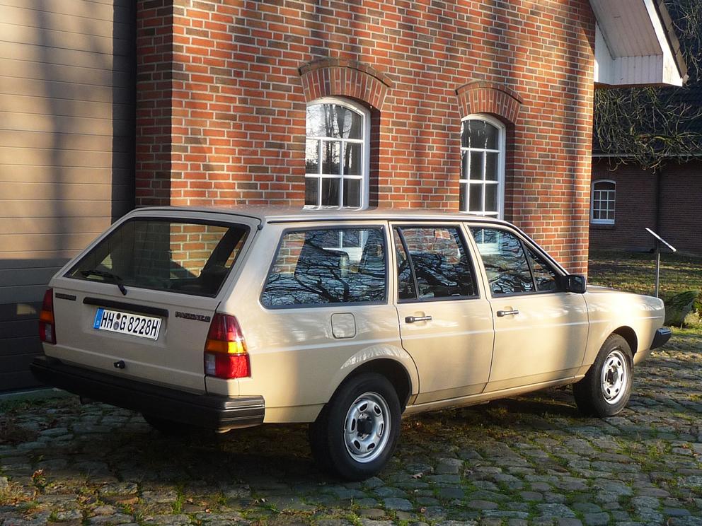 Volkswagen Passat Variant Automatik, Schiebedach, 96.000 Km