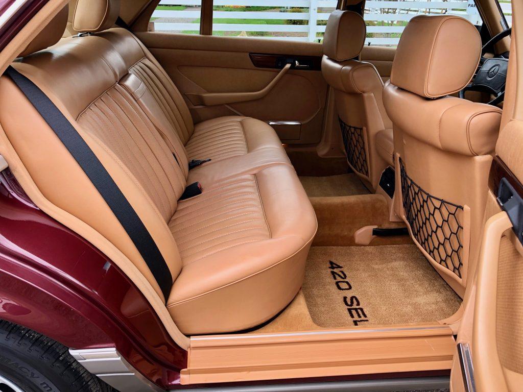 Mercedes Benz W126 420SEL. Aus der Feder von Dr.h.c. Bruno Sacco . Zustand Werksauslieferung wie vor 34Jahren.