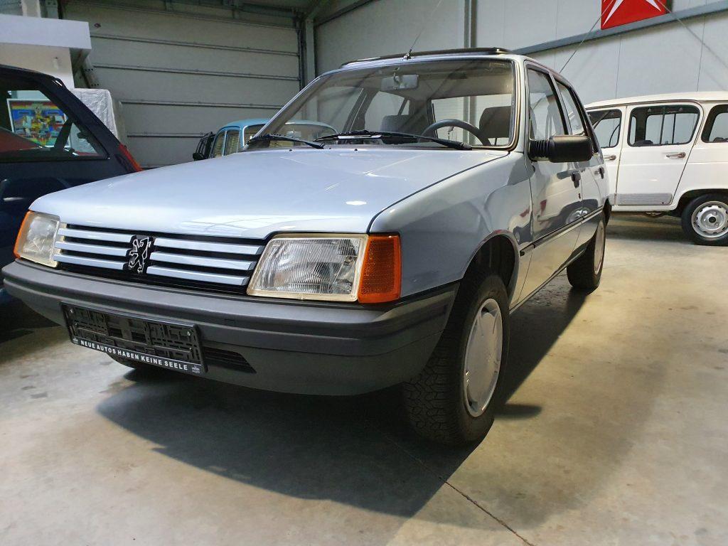 Peugeot 205 GR -Bj.1987-Original 9560km