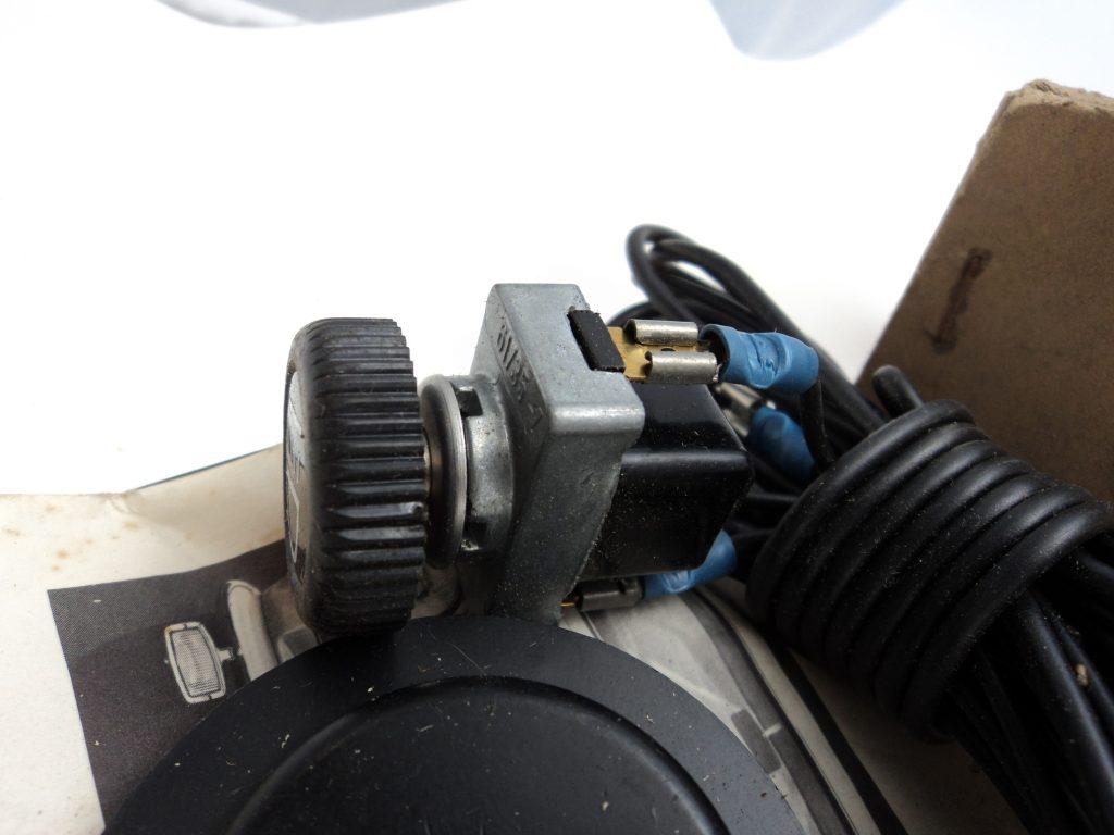 NOS original Einbausatz für Nebelscheinwerfer 12 V, VW Typ 3 1600 ab 67