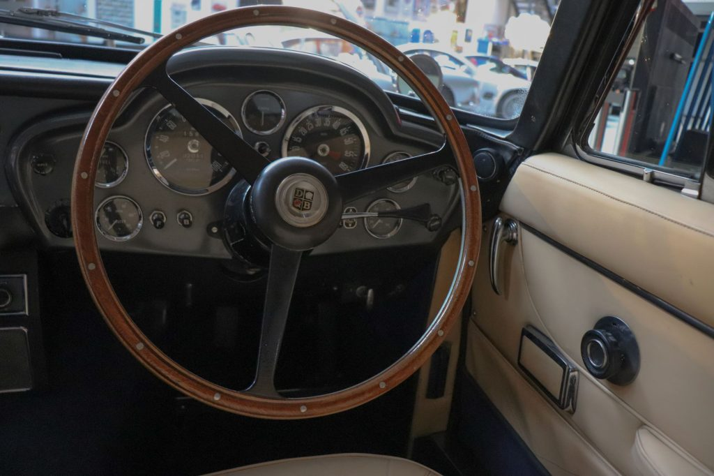 1967 ASTON MARTIN DB 6 Saloon als perfekter Driver