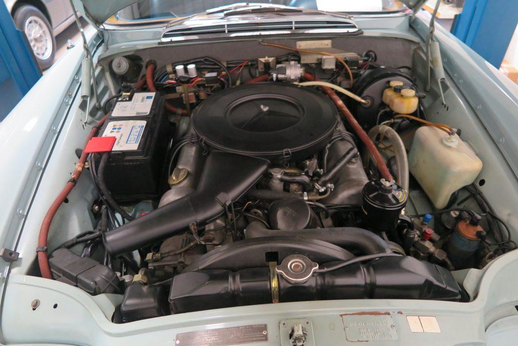 Fantastisch originales, rostfreies  , ungeschweißtes , W111 3,5 Liter Flachkühler Coupe mit Klimaanlage ,Schiebedach, Automatik und mehr....…