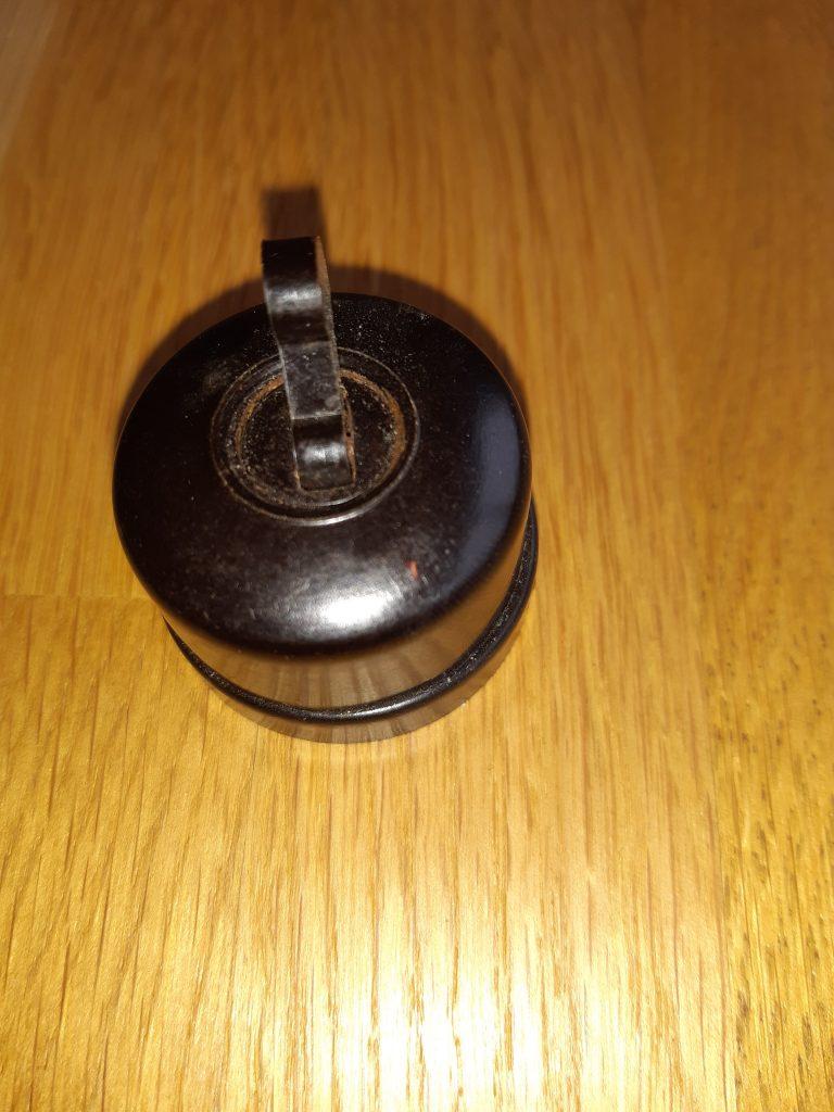 Brauner Bakelit Kippschalter ähnlich Bosch RS 8065