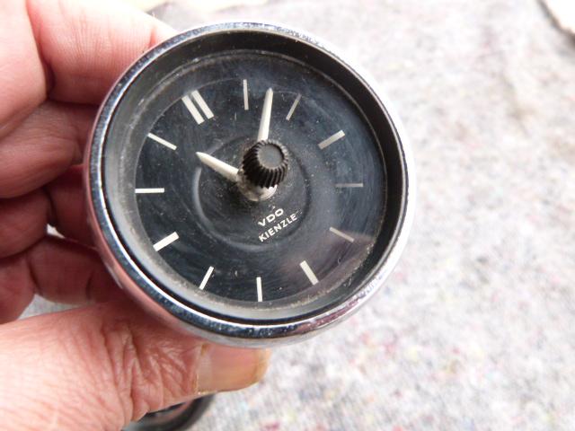Oldtimer Borduhren ! Mercedes Benz W115 FORD Capri GT ! Original Ware !!