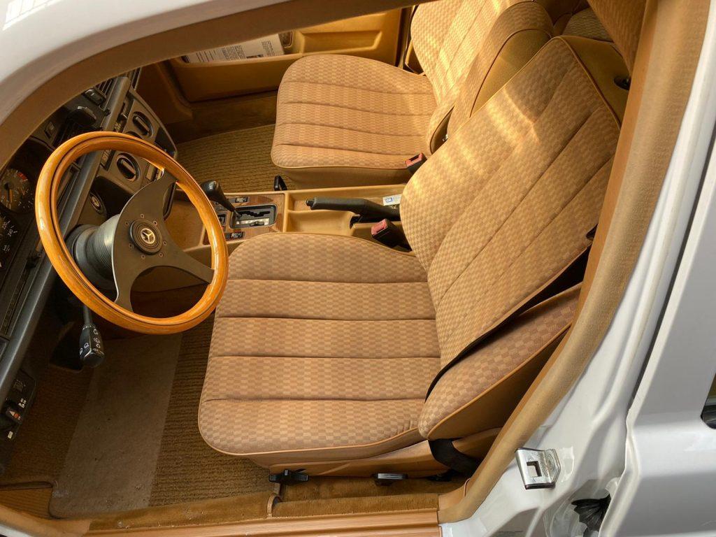 Mercedes Benz W123 230 C