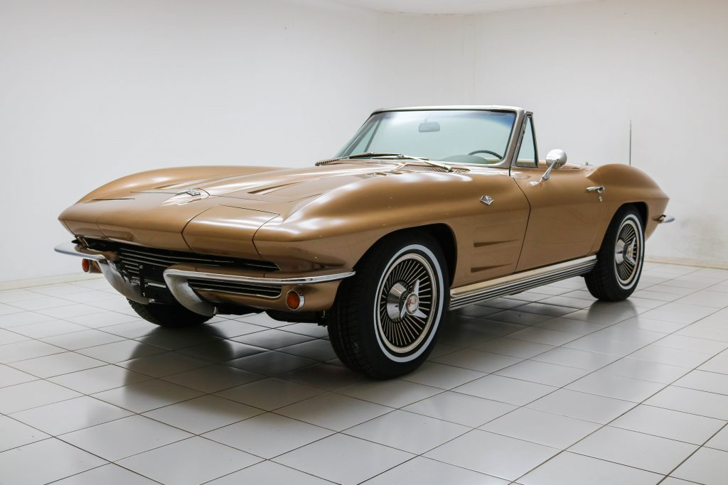 Chevrolet Corvette C2 Sting Ray Convertible * Matching Numbers * Soft-top * Kelsey-Hayes *
