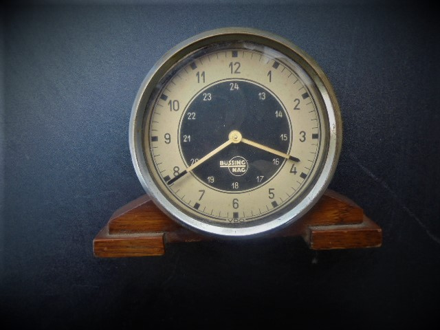 Vorkriegs-Uhr
